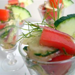 Летний салат из огурцов и помидоров
