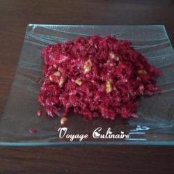 Салат из сырой свеклы с грецкими орехами